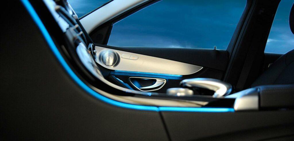 ambientebeleuchtung, DRÄXLMAIER, premium-Automobilzulieferer, Premium Kunden, Automobilzulieferer Bayern, automotive Branche Bayern, Jobs bei Autozulieferern